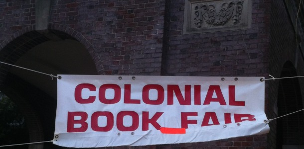 Colonial+holds+annual+book+fair+Nov.+27+to+29+with+family+night+on+first+day