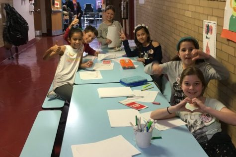Siwanoy fifth graders invite students from other schools to Fifth Grade Movie Night